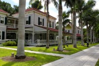 Edison-Ford-Winter-Estates-Fort-Myers-Florida-things-to-do-tours-attractions-1024x682