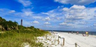 island-inn-sanibel-local-beaches-lightouse-beach-